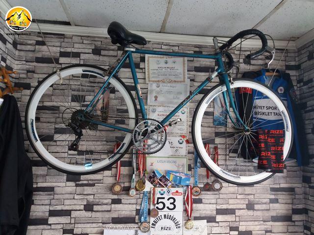دوچرخه قدیمی اقا مصطفی